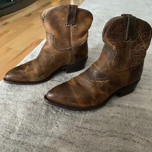 Fry Bootie size 9